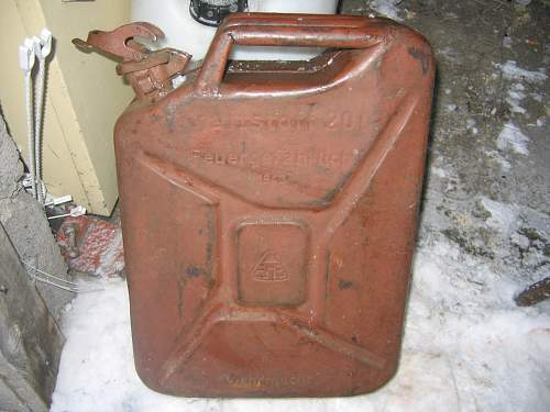 Fuel can (Kanister)- some questions!