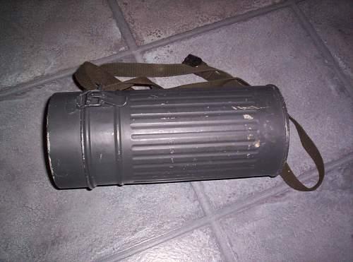 can someone id my gas mask tin?