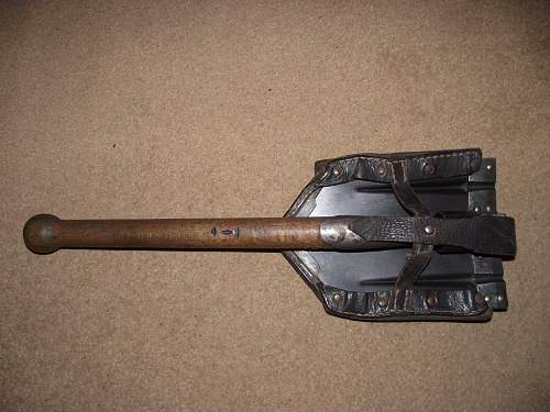 Folding Shovel (Klappspaten): Original or reproduction??????? Opinions please :)