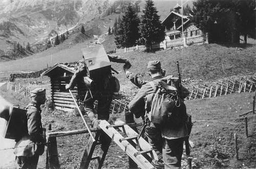Click image for larger version.  Name:GEBIRGS DIVISION .GERMAN MOUNTAIN TROOPS 104.jpg Views:12852 Size:265.2 KB ID:192909