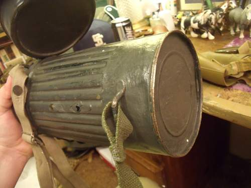 Is this a German made gas can/mask or Italian
