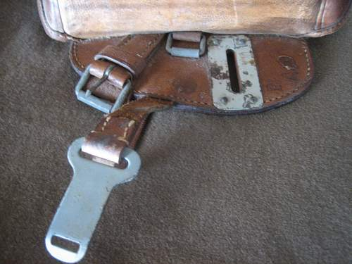 Click image for larger version.  Name:WWII German Saddle Bag (4).jpg Views:118 Size:172.4 KB ID:252245