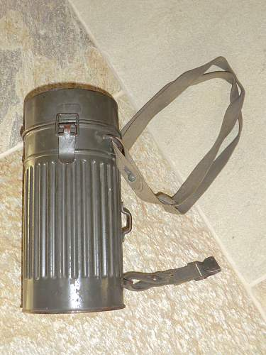 Luftschutz gas mask and case made by Draeger.