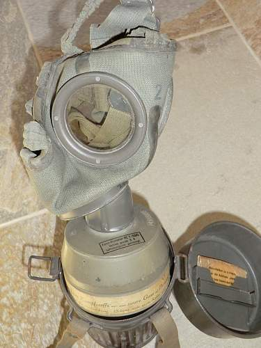 Click image for larger version.  Name:luftschutz gas mask 8.jpg Views:271 Size:250.2 KB ID:266209