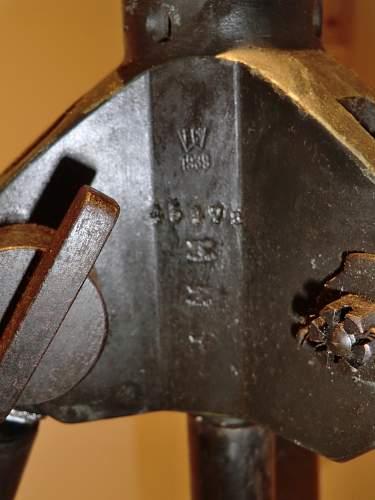 "MG.34 anti aircraft tripod ""Dreifuss"""
