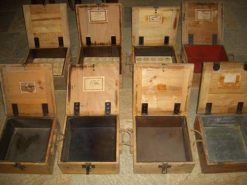 Wooden transit boxes for nose fuses for 88's