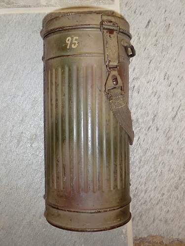 Click image for larger version.  Name:RADEMACHER GAS MASK 2.jpg Views:994 Size:252.9 KB ID:280095