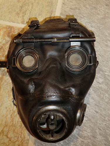 Click image for larger version.  Name:OPTIC GAS MASK 1.jpg Views:2762 Size:248.6 KB ID:280236