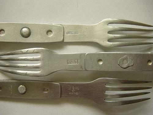 Click image for larger version.  Name:Knife, forks, spoons 002.jpg Views:1308 Size:250.7 KB ID:310665