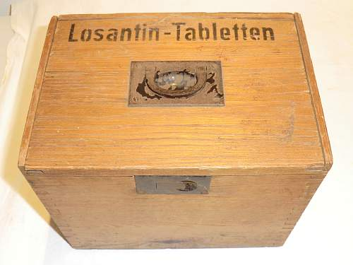 Wooden Losantin tablet box