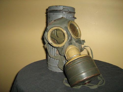Luftwaffe Wehrmacht camouflage gas mask ?