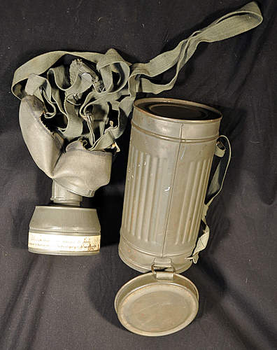Gas Mask- Drager Blanco...WWII?