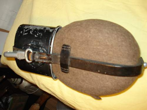 German M31 Canteen - need some help
