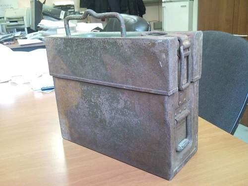 MG13/FG42 ammo box.. Normandy camo?