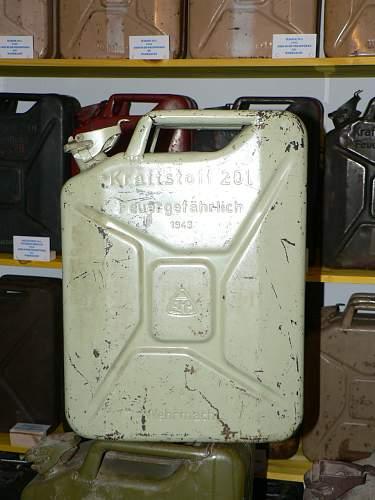 Unknown German Jerrycan manufacturer