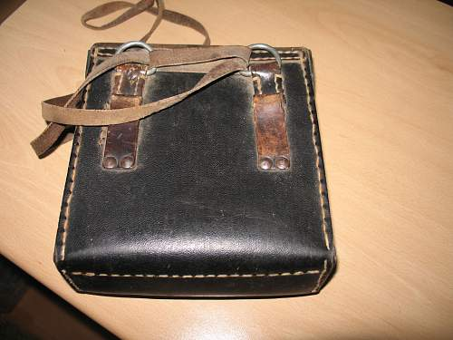 Click image for larger version.  Name:ww2germanbag2.jpg Views:425 Size:189.0 KB ID:515299