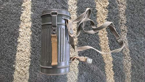 Wehrmacht gasmask with cannister short model