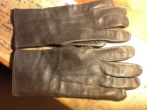 Wehrmacht gloves?