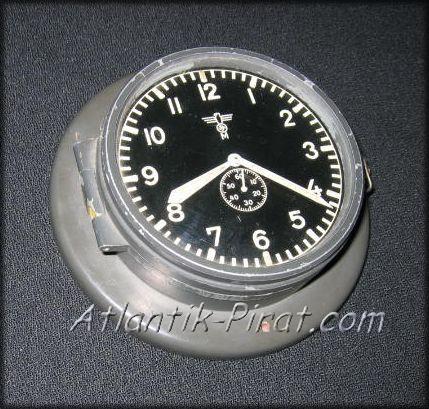 Grey Kriegsmarine clock - Junghans