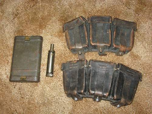 cleaning kit and k98 pouches. ORIGINAL?