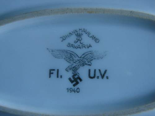 Luftwaffe Platter with unknown insignia: Any Ideas
