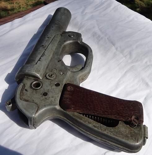 LP 42 Flare Pistol Vetern Acquired