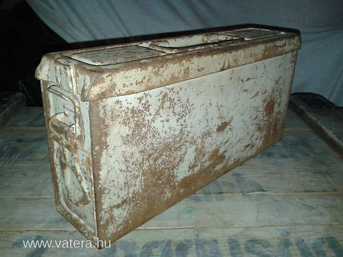 MG 42 Ammo Box - Winter Camo?