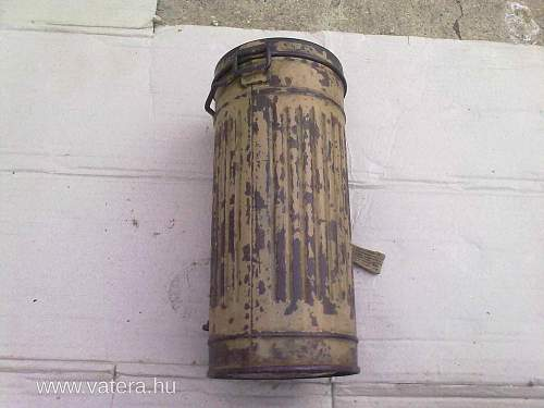 Sand-painted Gasmask Can, Fake?