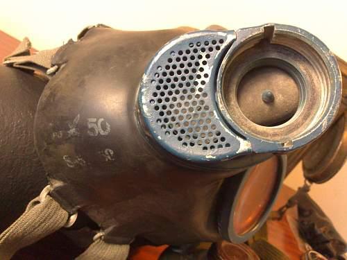 Gas Mask Markings - 1944/45