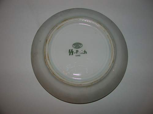 Click image for larger version.  Name:Back of Bauscher Weiden SS Reich Saucer.jpg Views:346 Size:40.8 KB ID:570527