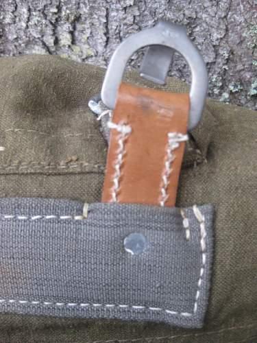 Help to identify two combat rucksacks