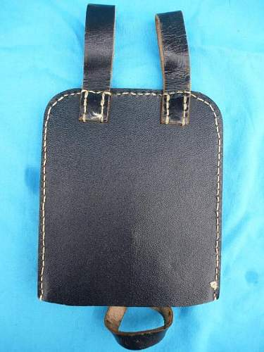 Wehrmacht shovel carrying case