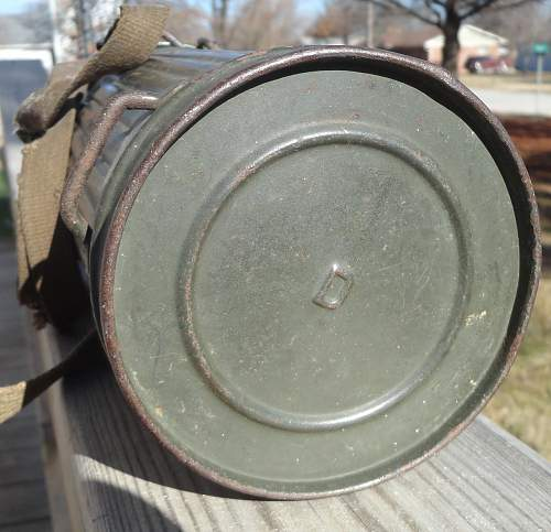 Wartime M-39 Mask and Cannister