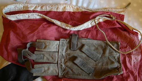 Click image for larger version.  Name:Flag-pouch-straps-3.jpg Views:14 Size:188.5 KB ID:649651