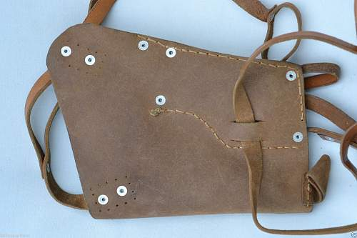 is this a GERMAN WWII LUFTWAFFE PILOT FLIGHT LEATHER SHOULDER HOLSTER?
