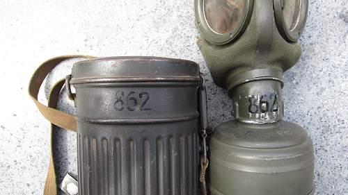 Complete M30 gasmask set