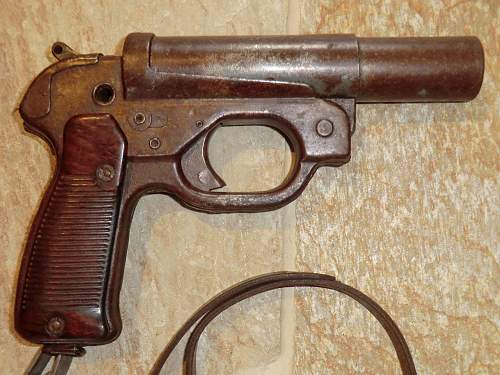 Click image for larger version.  Name:FLARE PISTOL 16.jpg Views:73 Size:330.4 KB ID:706365