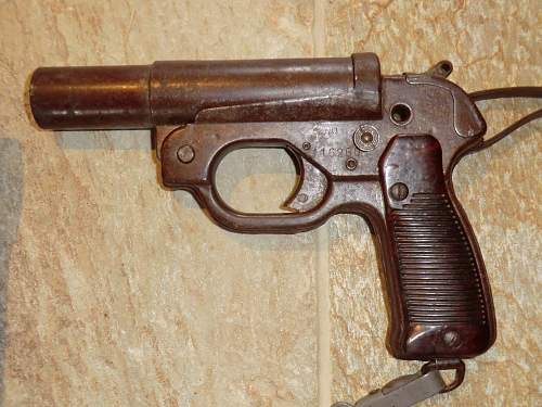 Click image for larger version.  Name:FLARE PISTOL 17.jpg Views:107 Size:328.6 KB ID:706367