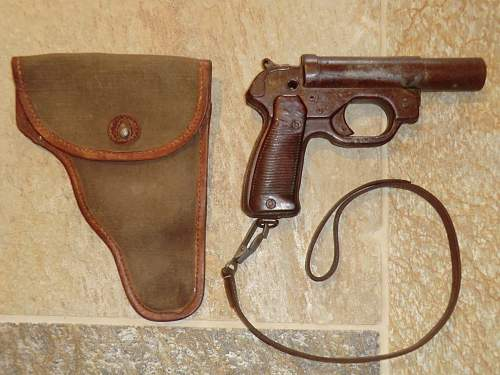 Click image for larger version.  Name:FLARE PISTOL 15.jpg Views:100 Size:319.6 KB ID:706369
