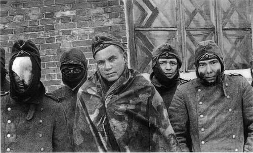 Click image for larger version.  Name:German prisoners captured during the Russian winter offensive1.jpg Views:120 Size:62.2 KB ID:716501