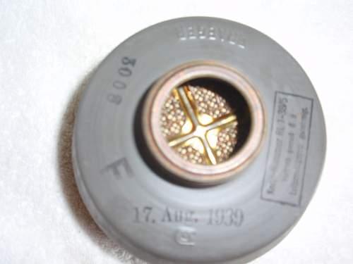 Click image for larger version.  Name:Dräger-Kampfstoff filter 455_ 6.jpg Views:77 Size:121.2 KB ID:718275