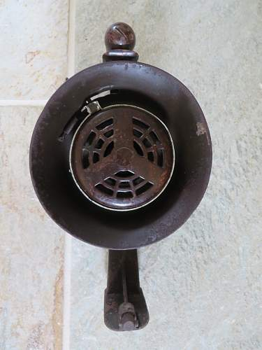 Small Portable Wehrmacht Siren - how many variations ?