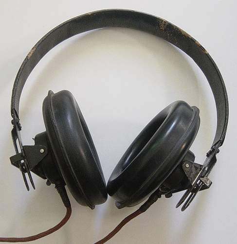 Click image for larger version.  Name:Headphones 001.jpg Views:789 Size:157.5 KB ID:74162
