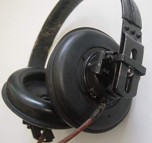 Click image for larger version.  Name:Headphones 002.jpg Views:238 Size:219.5 KB ID:74163