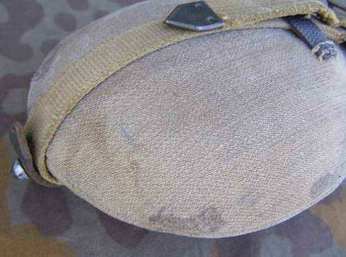 Mid-Late War .7 Liter Canteen (enameled with web straps)