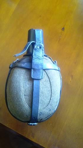 Help with German Canteen identification