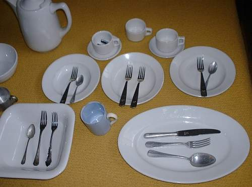 Click image for larger version.  Name:Lw dishes - R½.JPG Views:17 Size:77.1 KB ID:764253