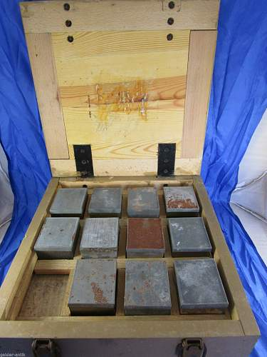 Click image for larger version.  Name:Strange ammo box.jpg Views:41 Size:164.2 KB ID:766593