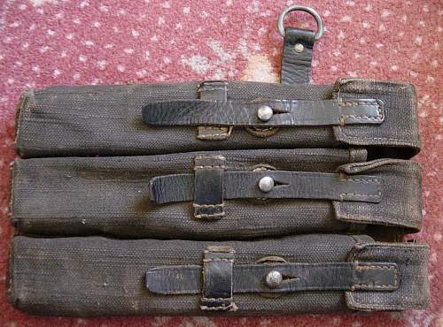 Click image for larger version.  Name:MP40 Magazine pouch.JPG Views:2160 Size:232.6 KB ID:77561