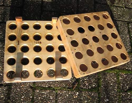 Wooden rack for M39 handgrenades?